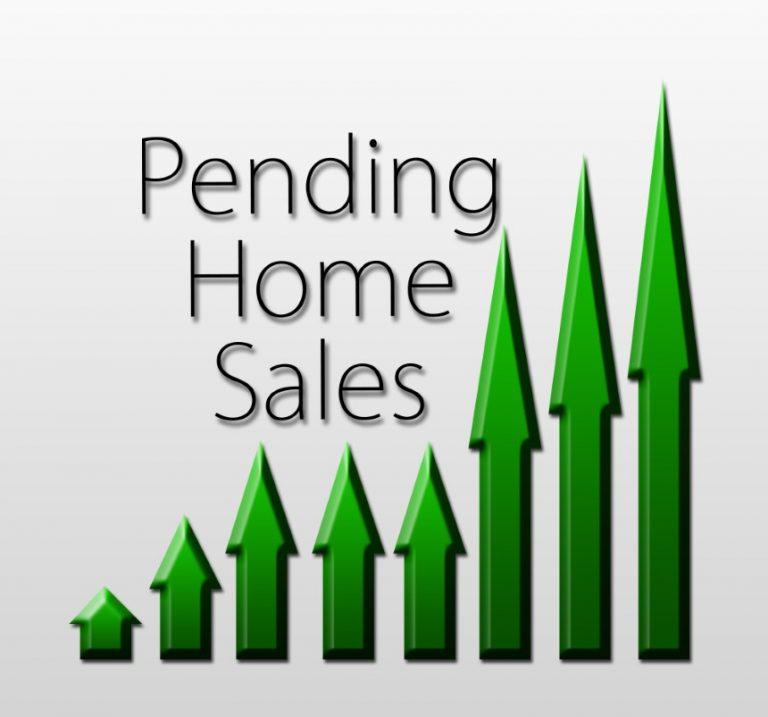 Las ventas de viviendas pendientes aumentan, pero el bajo inventario podría causar dolores de cabeza a los compradores.