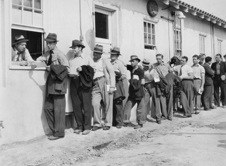 Initial Jobless Claims / Reclamos por Seguros de Desempleo.