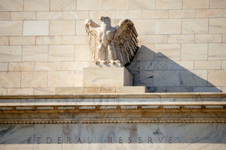 El Libro Beige de la Fed encuentra el ritmo limitado del crecimiento económico de EEUU a principios de octubre.
