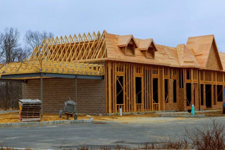 La construcción de viviendas aumenta casi un 2% en septiembre, impulsada por un auge de la construcción en el noreste